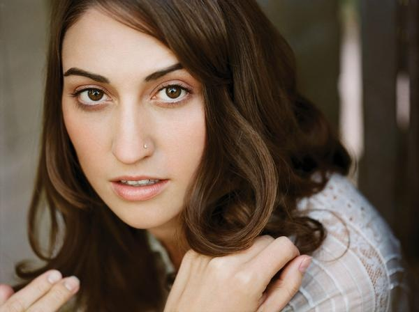 http://opiratadigital.files.wordpress.com/2008/07/sara-bareilles.jpg